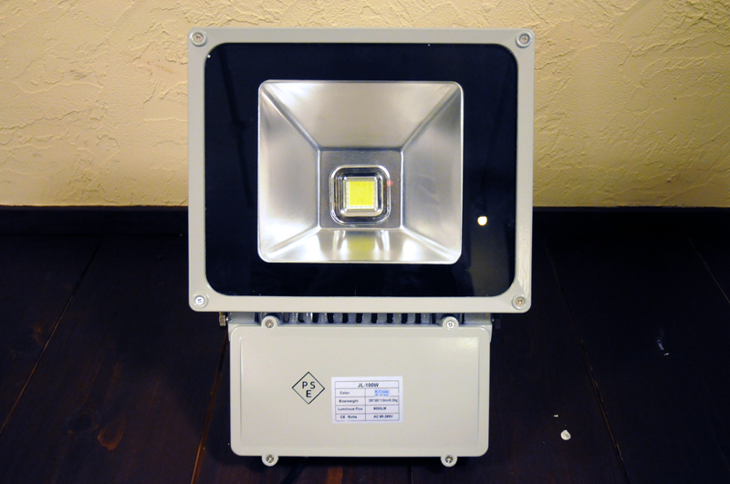 80W LED投光器 AC100V/7200lm 防水・軽量コンパクトで屋内・室内で使用可能!点灯時画像あり 新品/作業灯 非常用ライト 工業灯 看板灯 節電 電気代節約 次世代