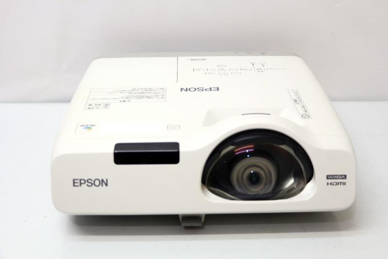 通常の約半分の距離で投写可能な 超短焦点レンズ スクール ビジネス向けプロジェクター あす楽 EPSON エプソン ビジネスプロジェクター EB-535W [並行輸入品] 自動補正機能付き お値打ち価格で 3400lm wp1752 HDMI 中古 UXGA