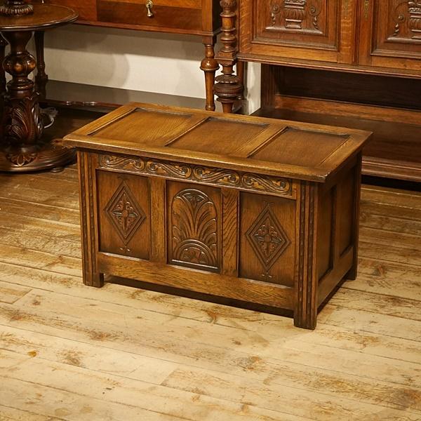 英国イギリスアンティーク家具 リネン&ブランケットボックス 美しい彫刻 Jaycee オーク材 樫 楢材 9166