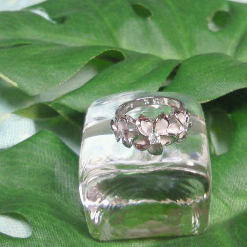 Hawaiian jewelry triple plumeria ring