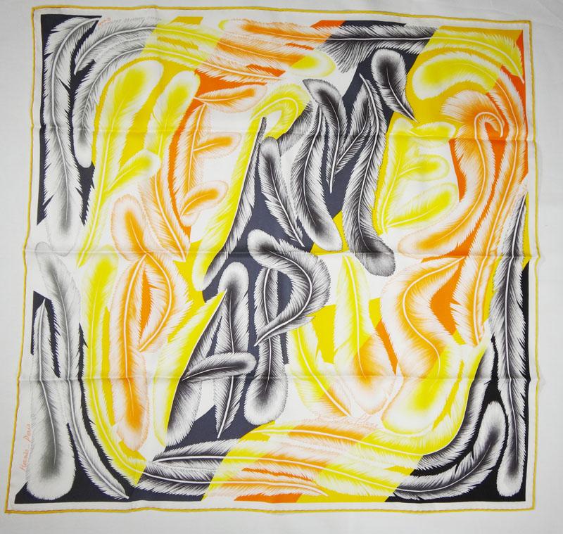 未使用品 HERMES エルメス スカーフ カレ 68×68 ホワイト/イエロー系 シルク100% レディース 小物 アクセサリー アパレル ブランド プレゼント ギフト 送料無料 【中古】