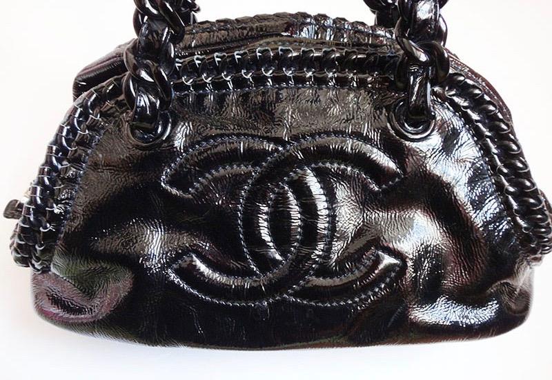 CHANEL シャネル プラスチック チェーン ショルダーバッグ エナメル 黒 レディース ハンド 鞄 かばん【中古】