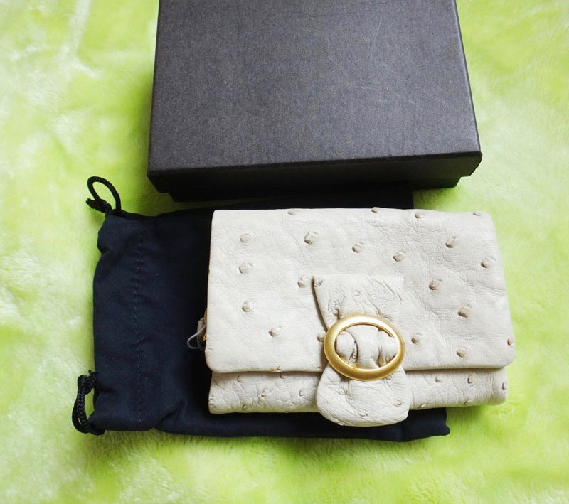 ostrich オーストリッチ 2つ折り財布 美品 オフホワイト【新古品】t-002