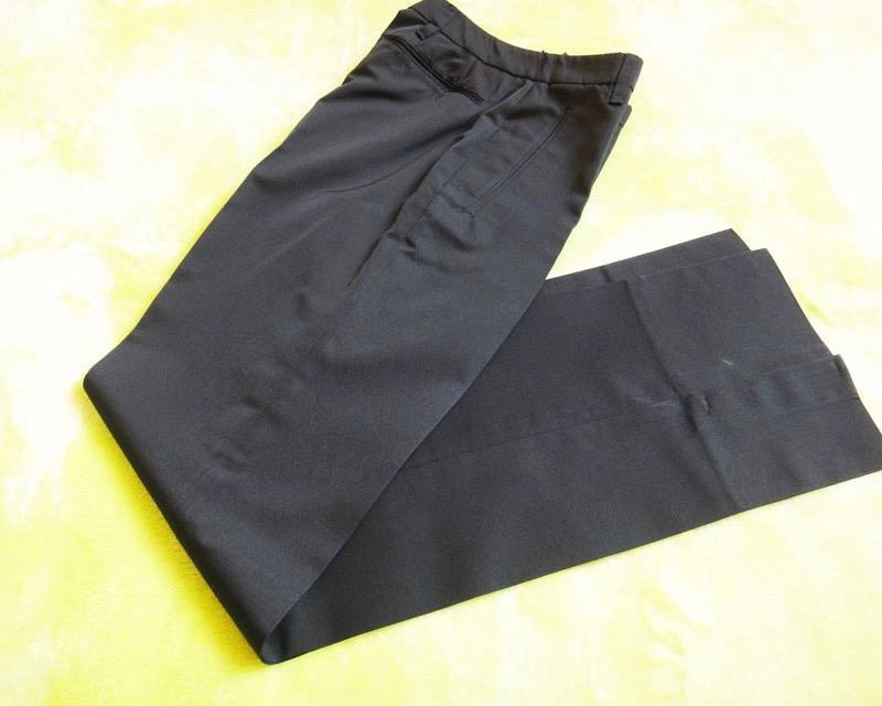 PRADA プラダ パンツ 黒 サイズ40 未使用品 古着 【中古】t-003