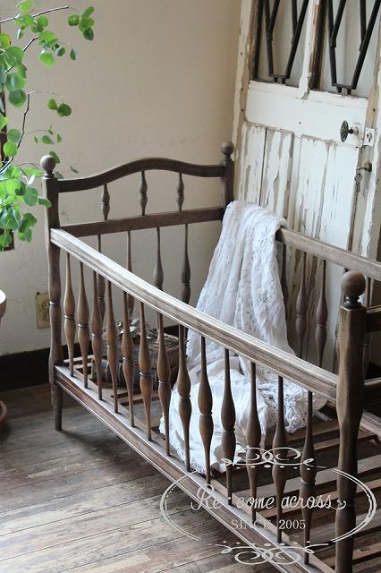 N13 フランスアンティーク 木製ベビーベッド