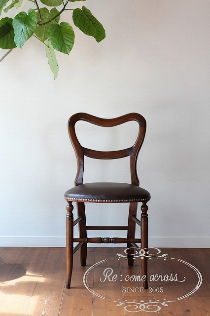 英国アンティークスタイルのバルーンバックチェア ・ 椅子 Z12