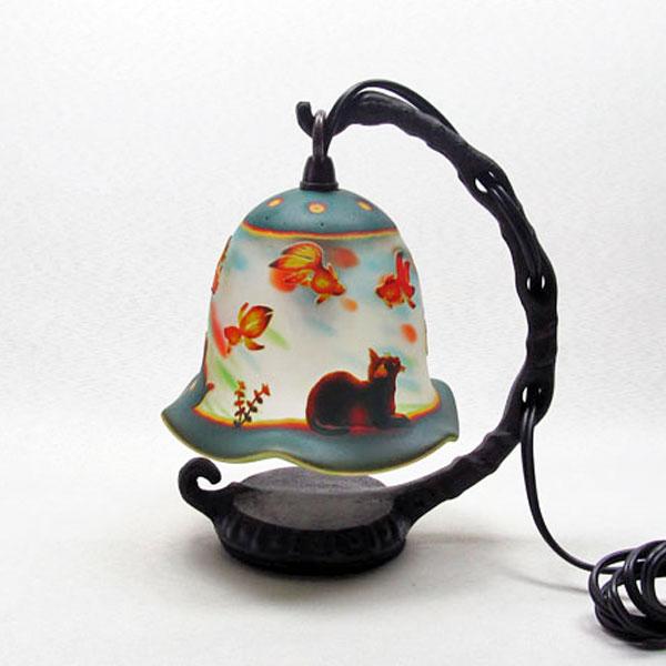 猫の手作りガラスランプ フロア(ルーム)ランプ 猫と金魚クリスマスグッズ|こもれびガラス工房| 猫グッズ 猫雑貨 猫 ねこ ネコ|ガラス ランプ|