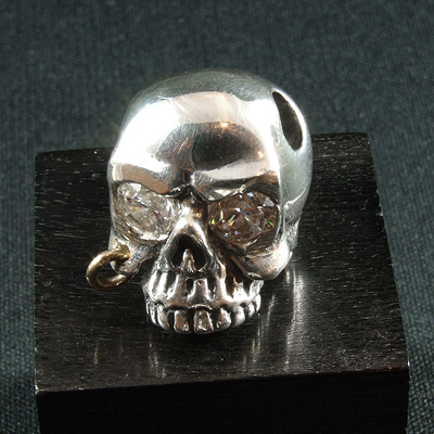 【ロイヤルオーダー ペンダント】SILENT SKULL W HOLES W CZ EYES 【ROYAL ORDER】
