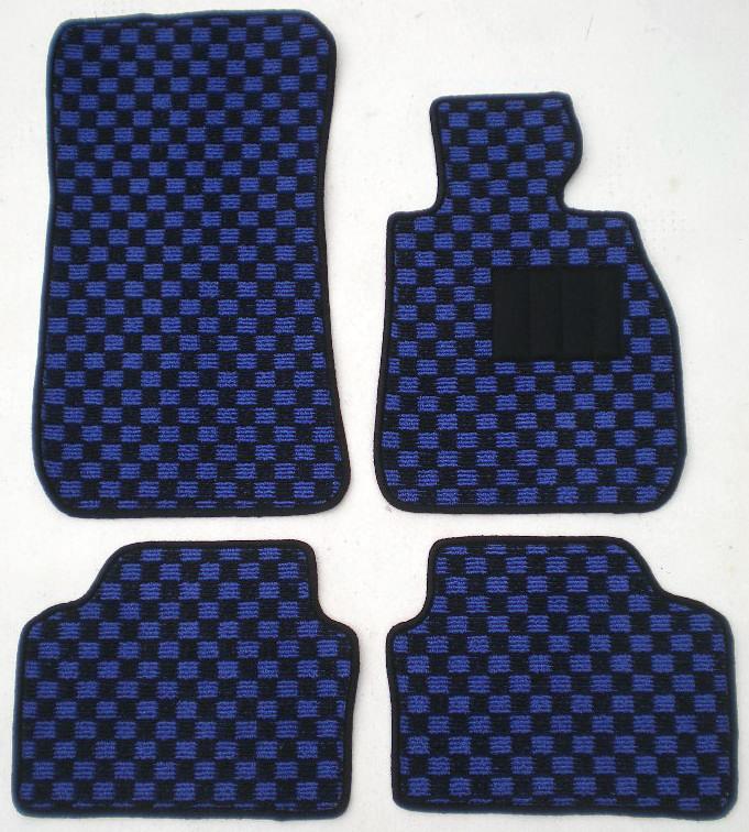 店長おすすめ フロアマット カーマット BMW 3シリーズ E90/E91 チェック柄 黒×青 [送料無料] ヒールパッド付 ゴム臭くない セミオーダーメイド 車 汚れ防止 カー用品 マット チェッカー 新品 対応 専用 パーツ カバー 保護