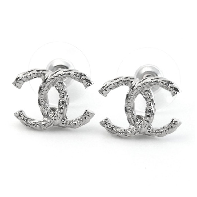 It Is White Day On Chanel A85894 Argent Coco Twist Here Mark Cc Logo Stud Bolt Pierced Earrings Silver New