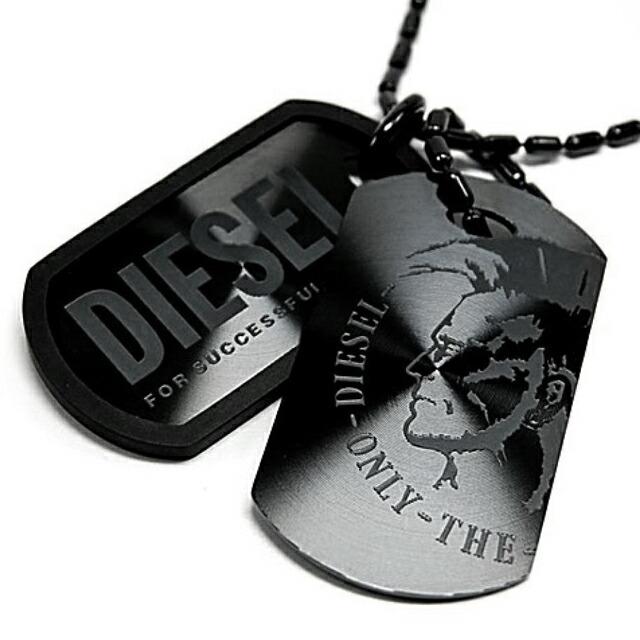 ディーゼル DIESEL ネックレス ブラック ダブルプレート メンズ ドッグタグ チェーン アクセ 黒 新作 ペンダント DIESELロゴ&ブレイブマン オシャレ 正規品