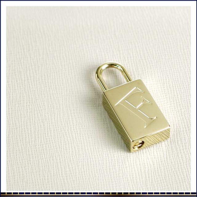 후르라쇼르다밧그 기울기 벼랑 가방 토트 백 2 way URBAN 라이트 그레이 소가죽형 밀기 레더 FURLA 레이디스 인기 신작 브란드세이르후르라로고볺귟 자물쇠 첨부