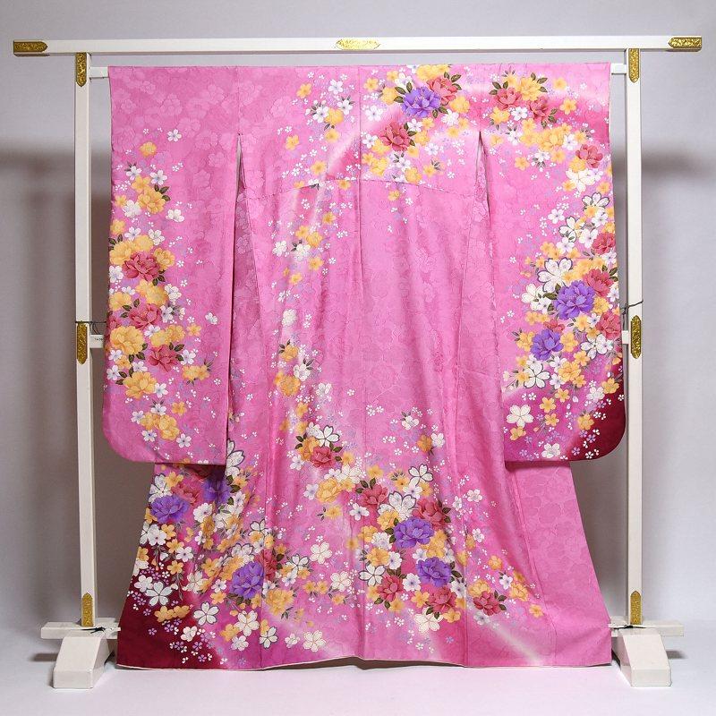 振袖 中古 お仕立て済み お仕立て上がり 可憐な花々 桃色 身長150cm~160cmくらいの方に 裄66cm あす楽 送料無料 正絹振袖 リサイクル