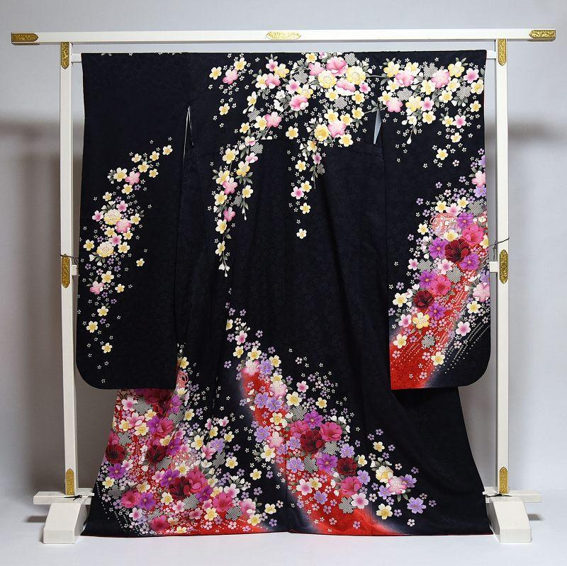 振袖 中古 お仕立て済み お仕立て上がり 可憐な花々 黒色 身長156cm~166cmくらいの方に 裄67.5cm あす楽 送料無料 正絹振袖 リサイクル