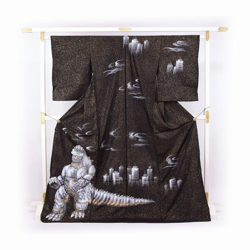 訪問着 送料無料 フルオーダー手縫いお仕立て付き シン・ゴジラ 手描き 正絹ちりめん生地 黒色【身長164cmまで、裄67.5cmまで】