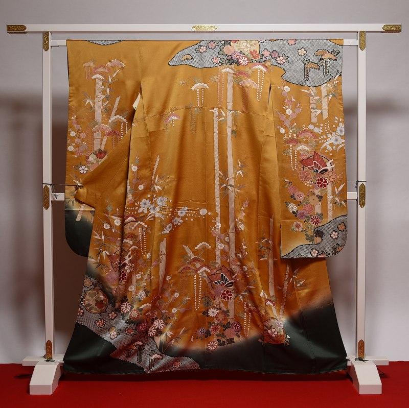 振袖 中古 リサイクル お仕立て済み お仕立て上がり 正絹 柑子系色 染め疋田に蝶と花々 身長150cm~160cmくらいの方に 裄64cm あす楽 送料無料 正絹振袖