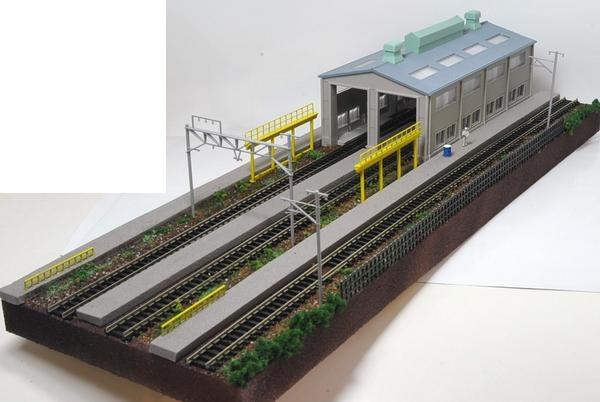 Nゲージ鉄道模型用展示台A 【機関庫とヤード3線路】点検台片側仕様●注文製作●