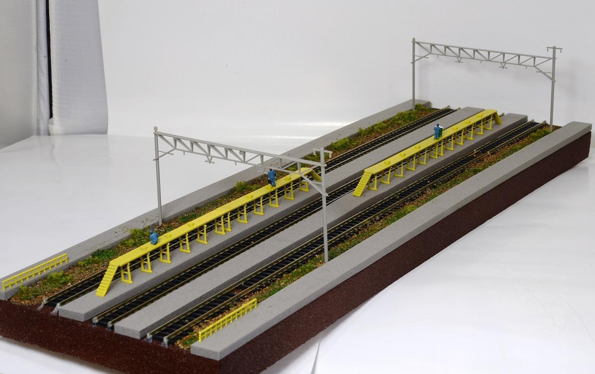 Nゲージ鉄道模型用展示台F 【洗浄台、三線架線柱とヤード3線路】●注文製作●