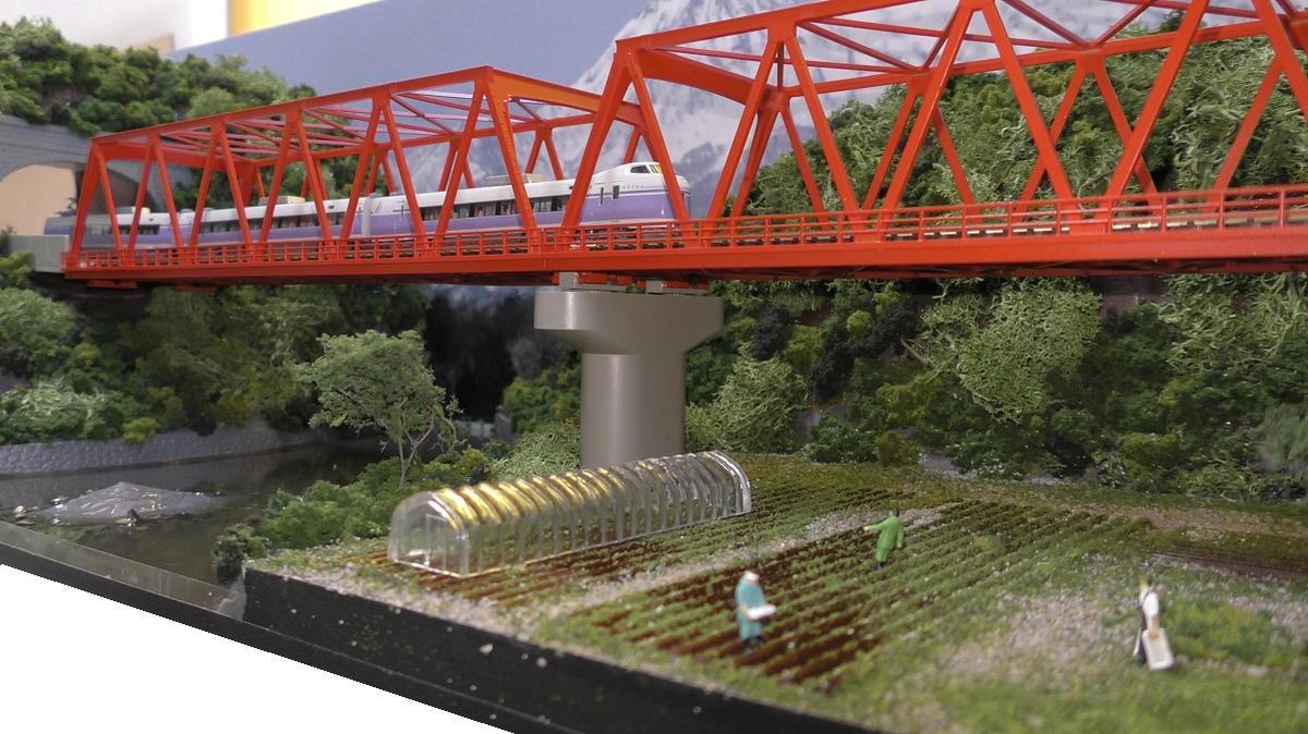 「送料込」鉄道模型ジオラマ展示台Nゲージ用 複線[90cm×30cm]赤い鉄橋●注文製作●90x30-9