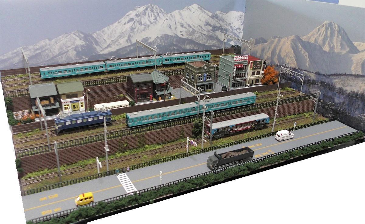 「送料込み」Nゲージ鉄道模型用展示台 【60x45】6線路●注文製作●