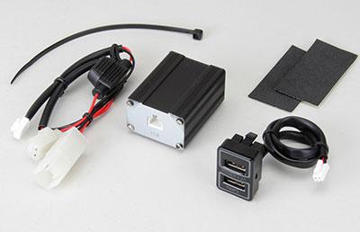 本州送料無料 TOMS トムス エスティマハイブリッド 予約販売品 トレンド AHR20用 セット 高性能USB TOM'Sロゴ入り + 延長ハーネス