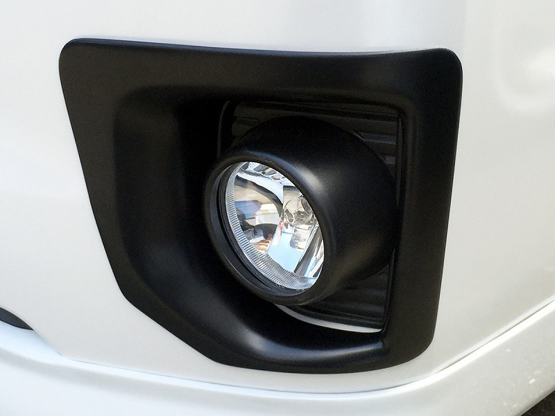 ハイエース200系 4型ナロー マットブラック フォグカバー
