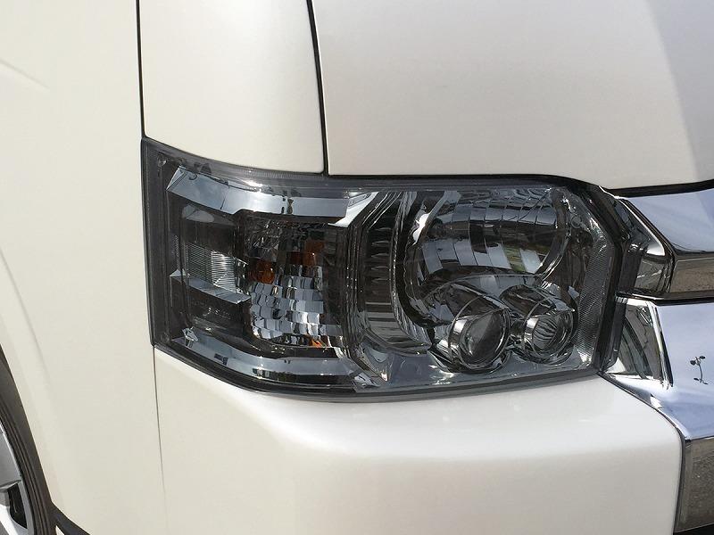 ヘッドライトカバー ライトスモーク かんたん脱着 ハイエース 200系 4型、4型後期(5型)、4型最終(6型)