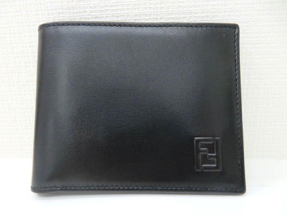【新着】フェンディ レザー ブラック 二つ折り 折財布 【池袋店】【中古】