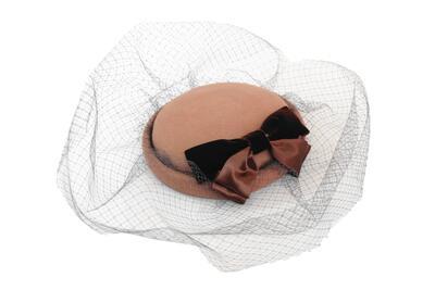 elite chapeau エリートシャポー カクテルハット 43408B キャメル 帽子 レディース 婦人 トーク帽 ウール チュール付き 結婚式 パーティー 室内でもOK オシャレ エレガント 上品 無料ラッピング クリスマス プレゼント 送料無料 日本製 ネット通販 秋冬