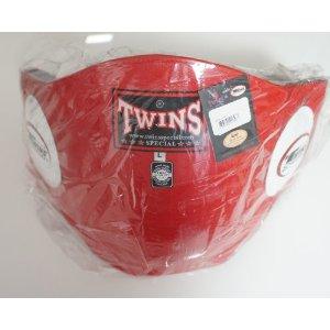 新 TWINS ツインズ 本革製 キックボクシング ボディープロテクター ボディーミット 赤 Lサイズ