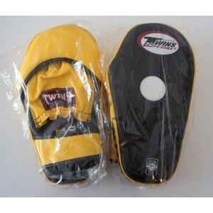 新TWINS ツインズ 本革製キックボクシング 変則パンチングミット キックミット 黒黄