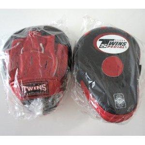 新TWINS ツインズ 本革製キックボクシング NEWパンチングミット 黒赤