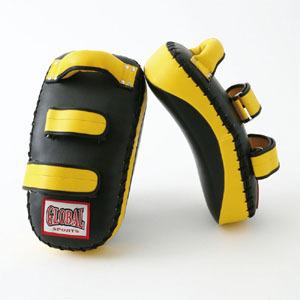 【送料無料】カーブキックミット 黄色2個セット (高級レザー) キックボクシング・空手用 GLOBAL SPORTS グローバルスポーツ