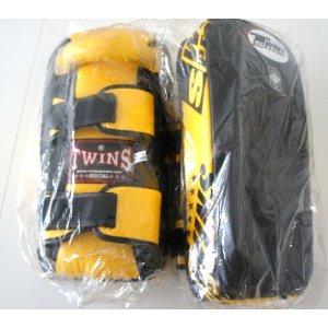 新TWINS ツインズ 本革製キックボクシング NEWバージョン キックミット 黄黒 Mサイズ