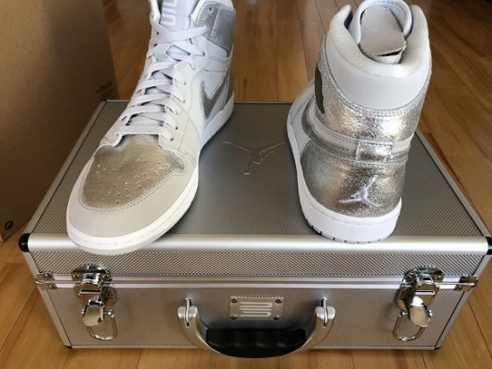 NIKE AIR JORDAN 1 RE HI SILVER 25周年記念!