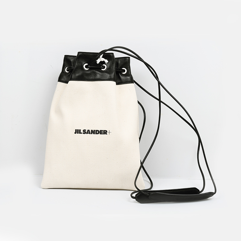 レディース 女性 モデル 大注目 JIL SANDER ジルサンダー DRAWSTRING POUCH ショルダーバッグ イタリア正規品 新色 JPPS852018 273 新品 WSB75036N 鞄