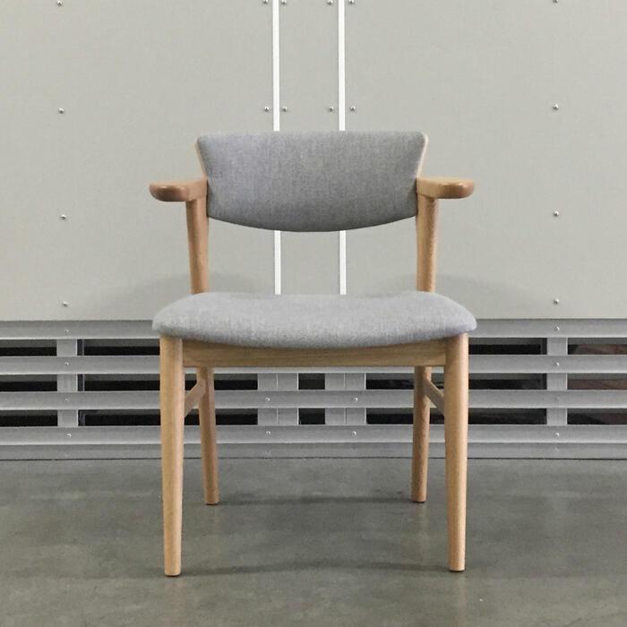 Awaza-036DN-NC・腰の椅子・リビングダイニングチェア・ナラ(オーク)・ファブリック