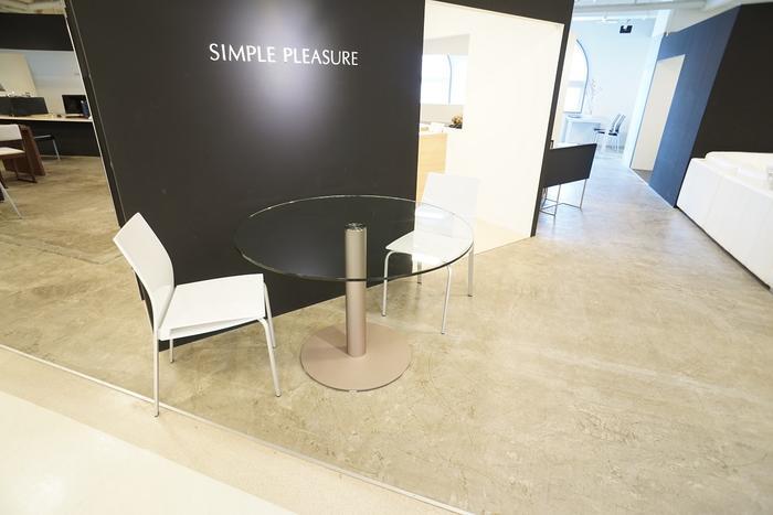 品揃え豊富で 円形ガラステーブル/1100mm H732mm/1本脚, 新井市 2652fa75