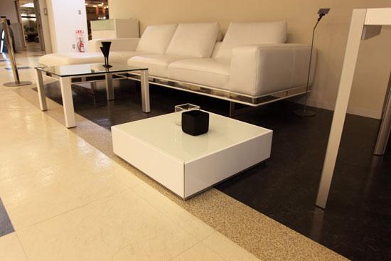 白色鏡面仕上げ サイドテーブル/W600 D600 H180【シンプル/サイドテーブル/ホワイトガラス/コンパクト/ローテーブル/コーヒーテーブル/ガラス/テーブル/正方形テーブル】