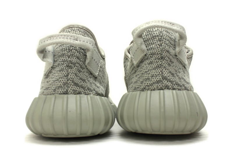 Unboxing и обзор кроссовок adidas Yeezy Boost 350 V2 Core White