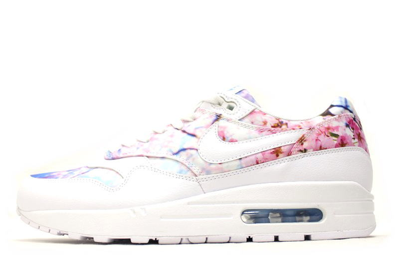 NIKE WMNS AIR MAX 1 PRINT CHERRY BLOSSOM 528,898 102 Nike women Air Max 1 print cherry blossom cherry tree cherry tree