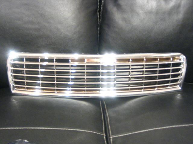 ■アウディ Audi A4/B6■マークレスグリル/クローム■