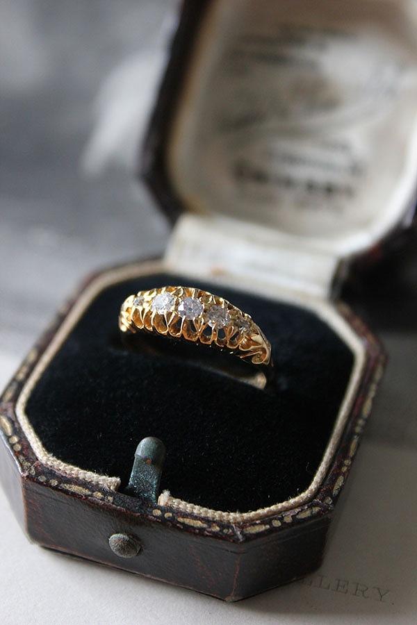 英国エドワーディアン 1909年 Henry Williamson Ltd 一文字ダイヤモンド 18金ゴールドリング11号 宝石鑑別書付 ri04