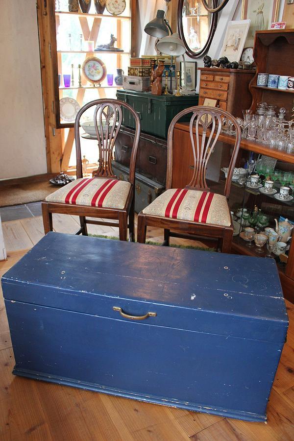 飾り台やテーブル ディスプレイに使っても雰囲気があります 英国19世紀 ついに入荷 アンティーク 高品質新品 BOX トランク チェスト 木製パイン材