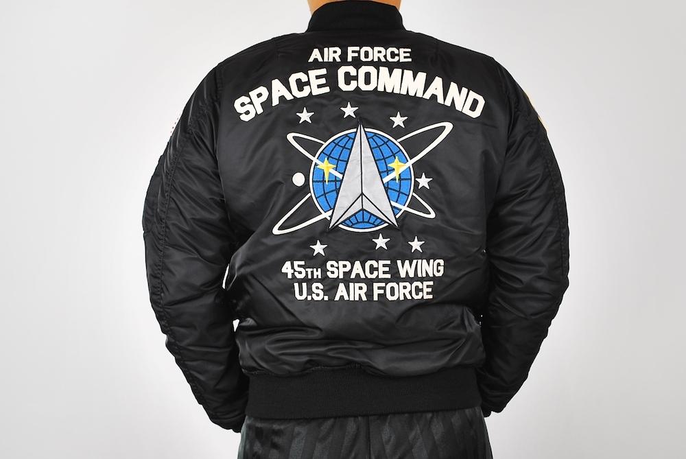 【10%OFFクーポン対象】AVIREX アヴィレックス MA-1 SPACE COMMAND フライトジャケット BLACK ブラック 6182184-009-L