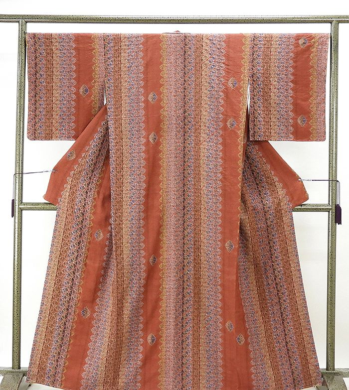 紬 未着用超美品 正絹 手加工本絞り 縦縞幾何花模様 紬 未使用 新古品 着物