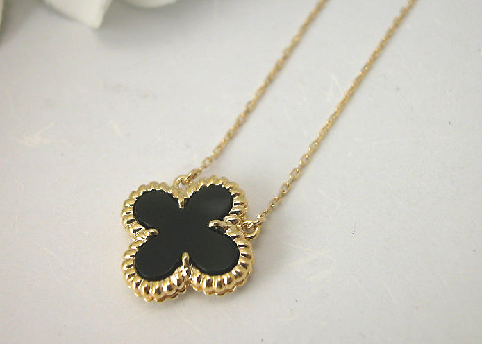 Taiyodo Watch Jewelry K18 Onyx Flower Design Pendant Necklace