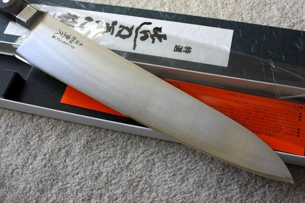 メーカー公式 切れ味抜群 270mm 牛刀包丁 ステンモリブテン鋼 卓出 かなり大きい 領収書対応 重久ツバ付き