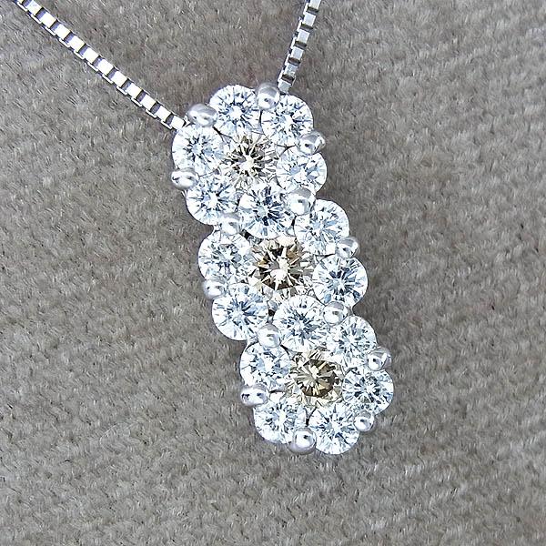 K18WGフラワーモチーフ花柄ダイヤペンダント付ネックレスD:1.00ct/3.4g【中古】