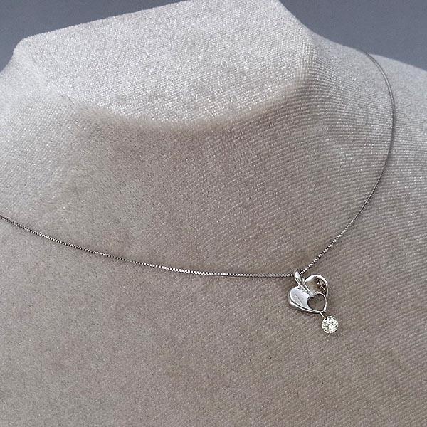 K18WG ダイヤモンド0.15ctハートデザインペンダント付ネックレス2.2g/47cm(自在調整可能)【中古】